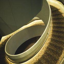 Как построить монолитную лестницу. Рассказываем в нескольких словах
